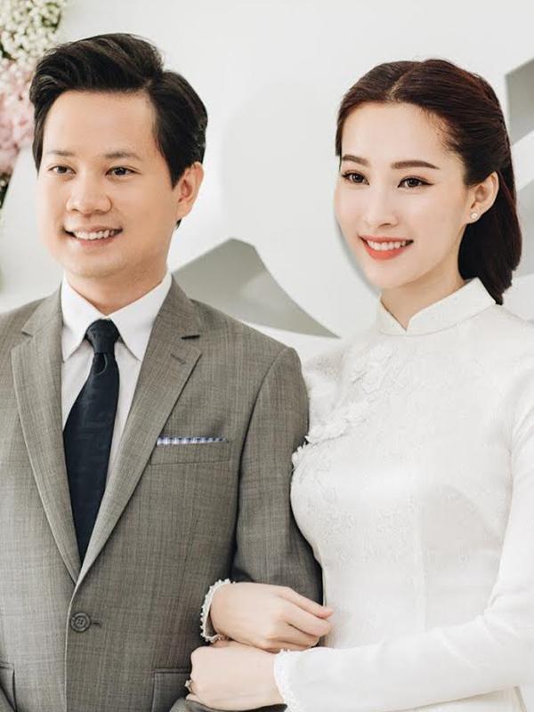 Áo dài cô dâu màu trắng