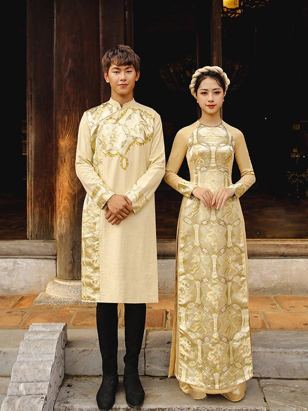Áo dài màu vàng đồng
