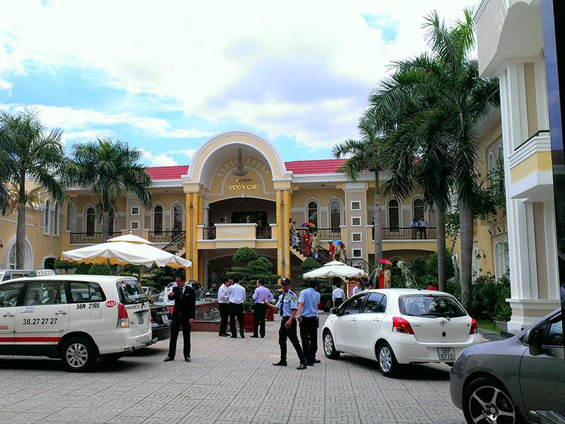 Diện tích nhà hàng Vườn Cau