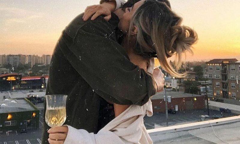 Tình yêu luôn làm cho con người ta hạnh phúc