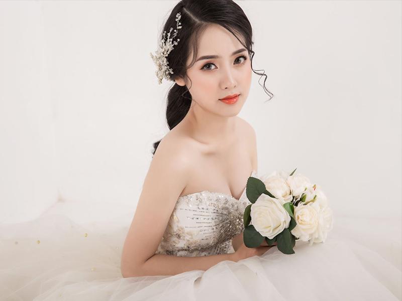 Trang điểm cô dâu phong cách Hàn